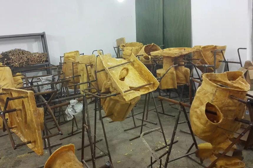 Cast wax mold
