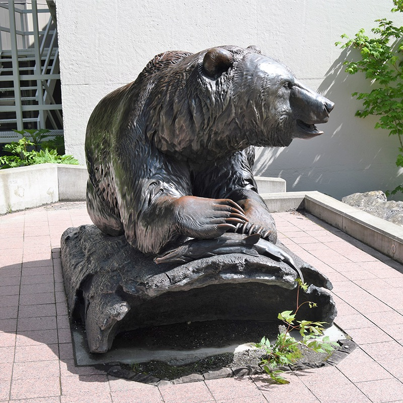 bronze bear sculpture