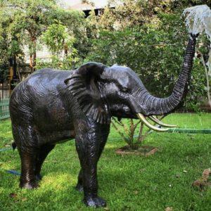 elephant spray decor sculpture