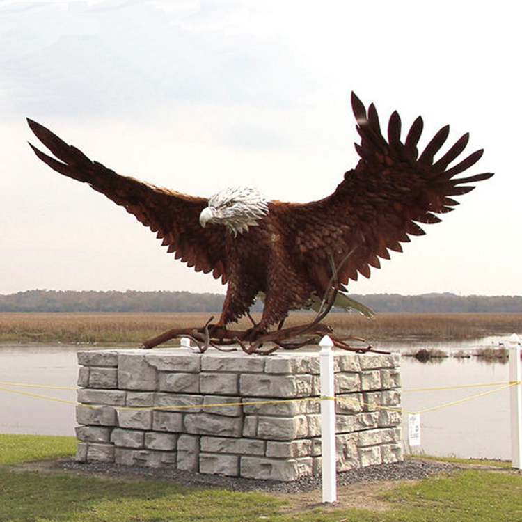 sculpture of eagle for garden