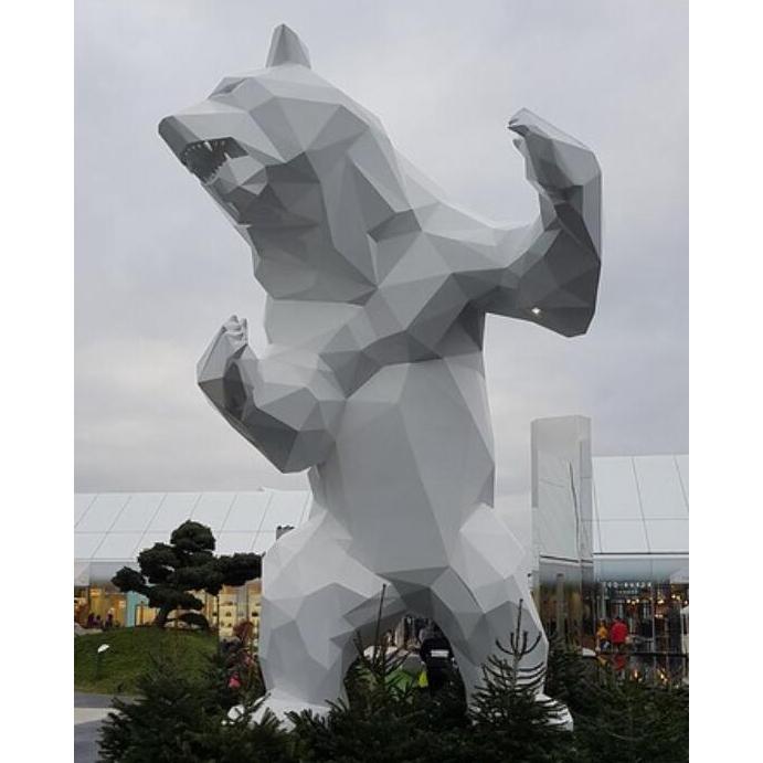 Large size bear sculpture