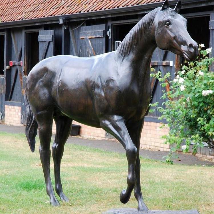 horse decoration statues