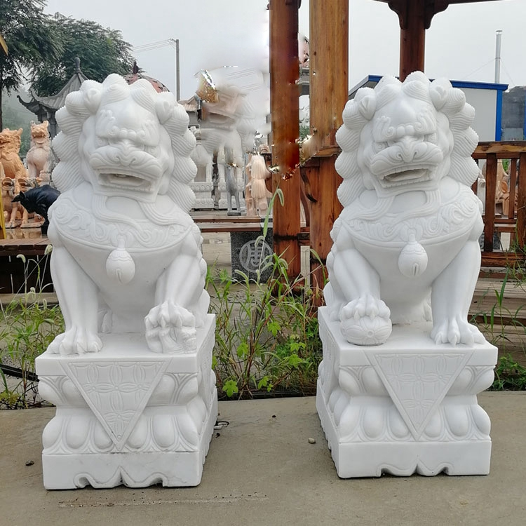 natural stone lion sculptures