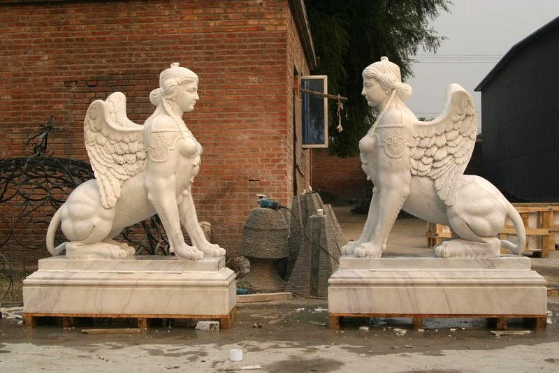 garden sphinx statue