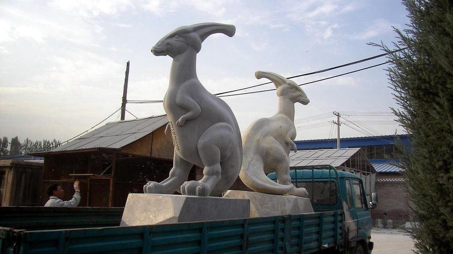 kangaroo art statue