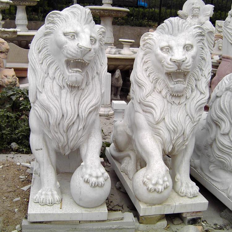 lion peugeot sculptur