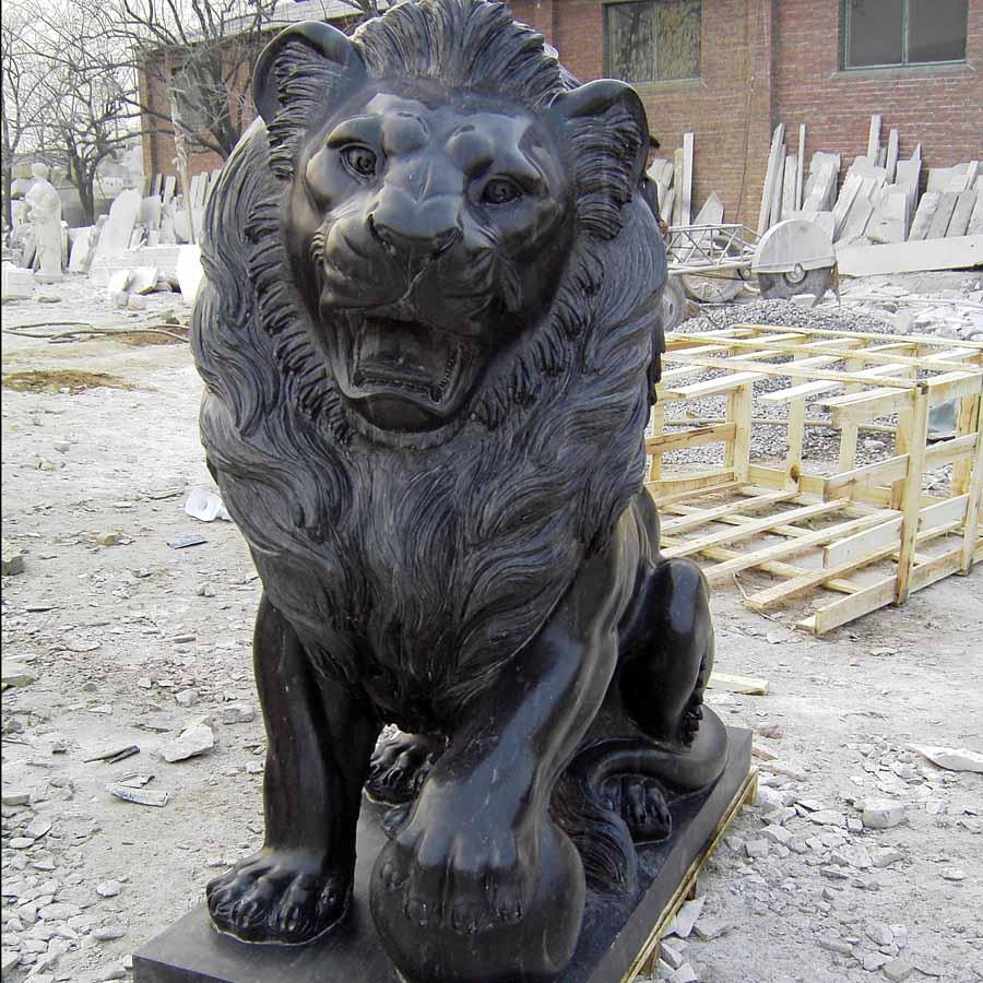 fu lion statue
