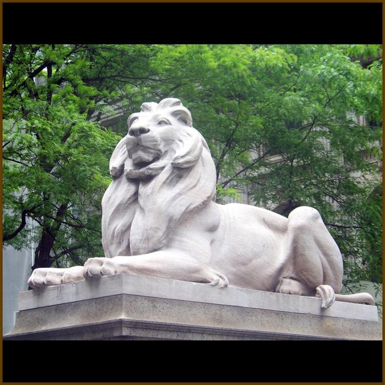 yard statue lion