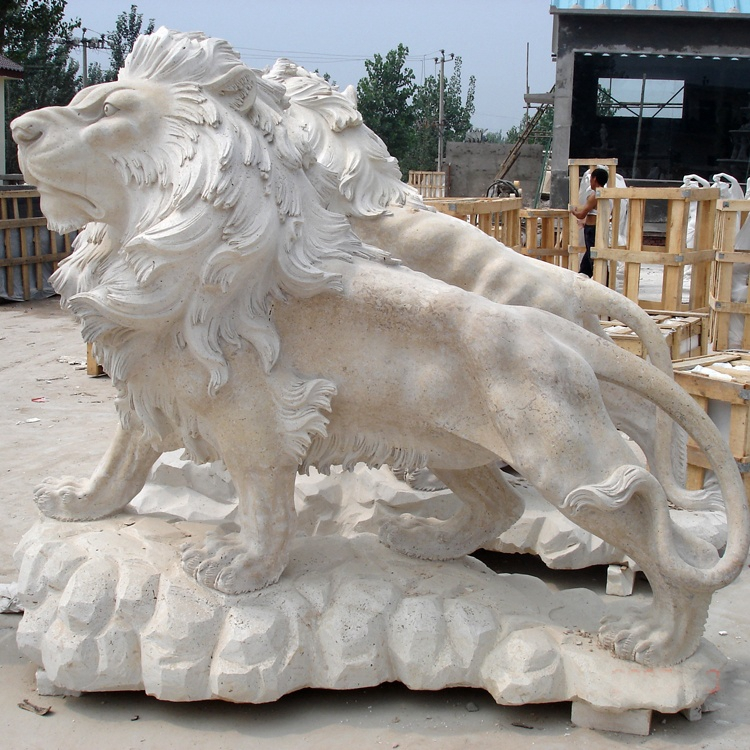 lion statue antique