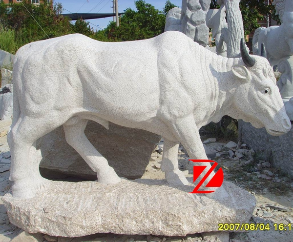 statue bull