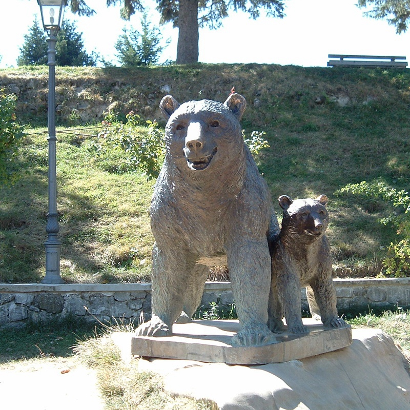 bear and bear mother statue