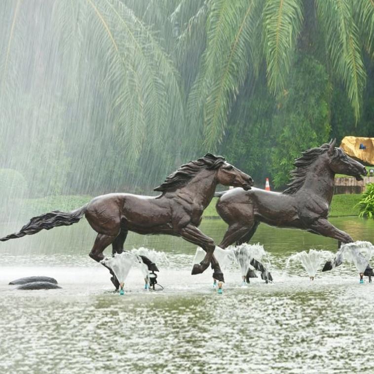 turtle horse sculpture