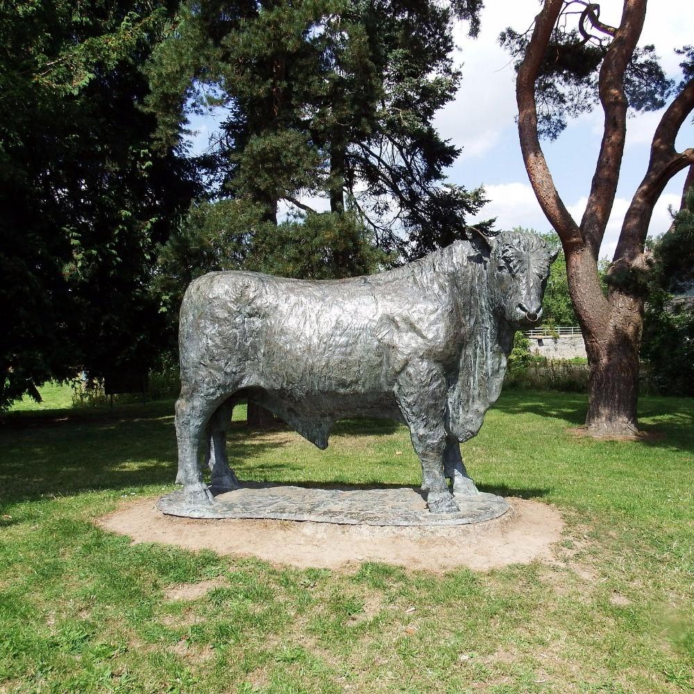 outdoor cow art sculpture