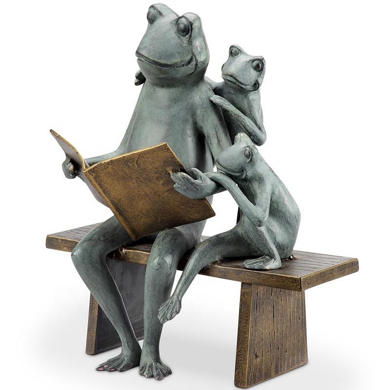 figurines frog sculpture