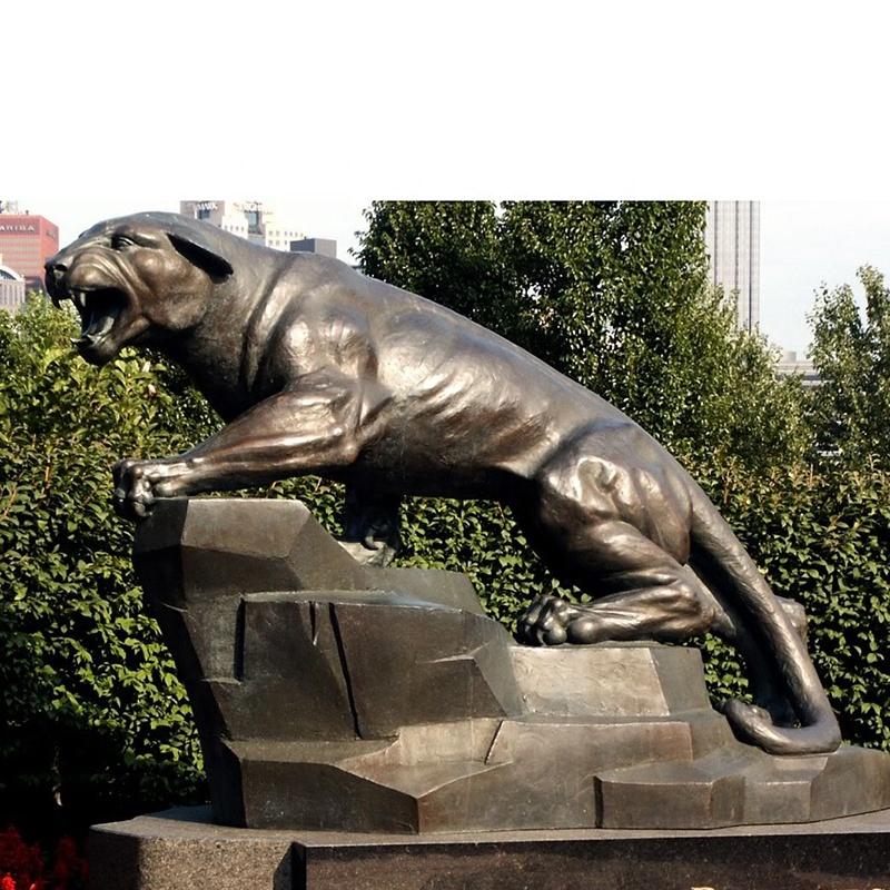 tiger statues garden decoration