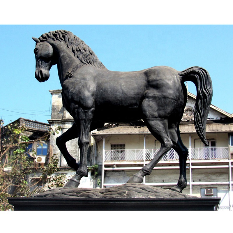horse statue gift