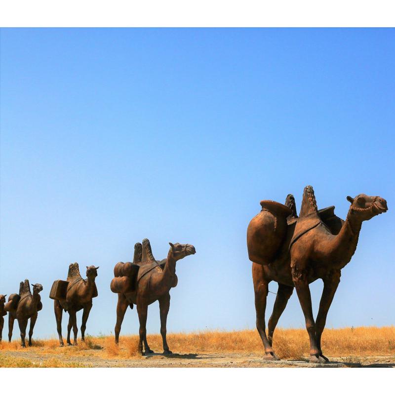 desert camel sculpture