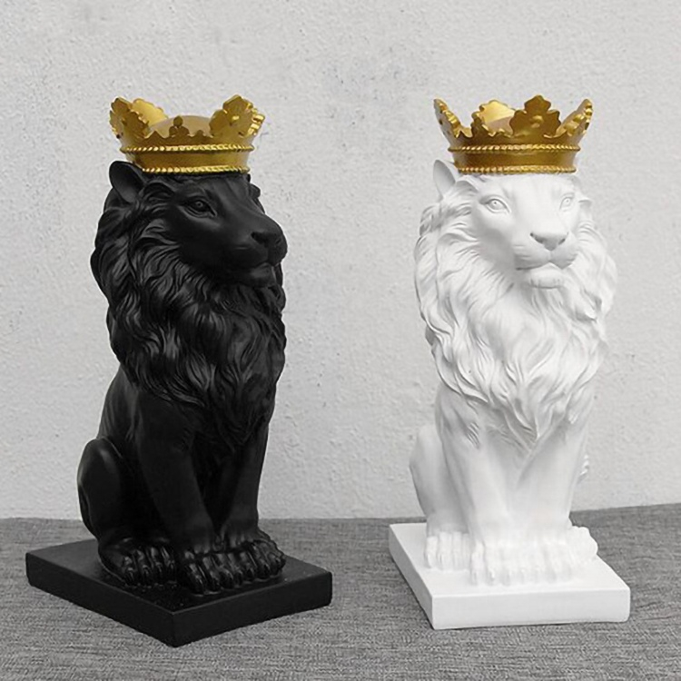 Marble lion king statue