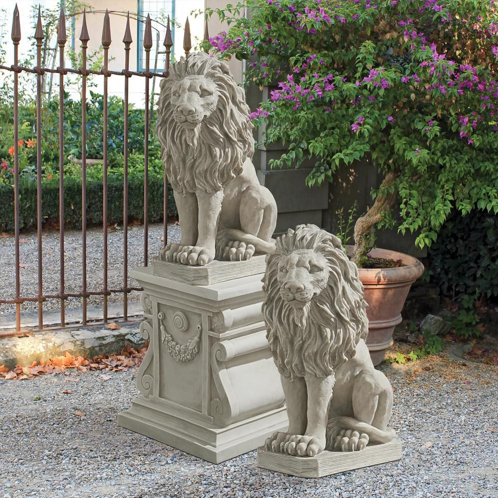 Natural marble lions