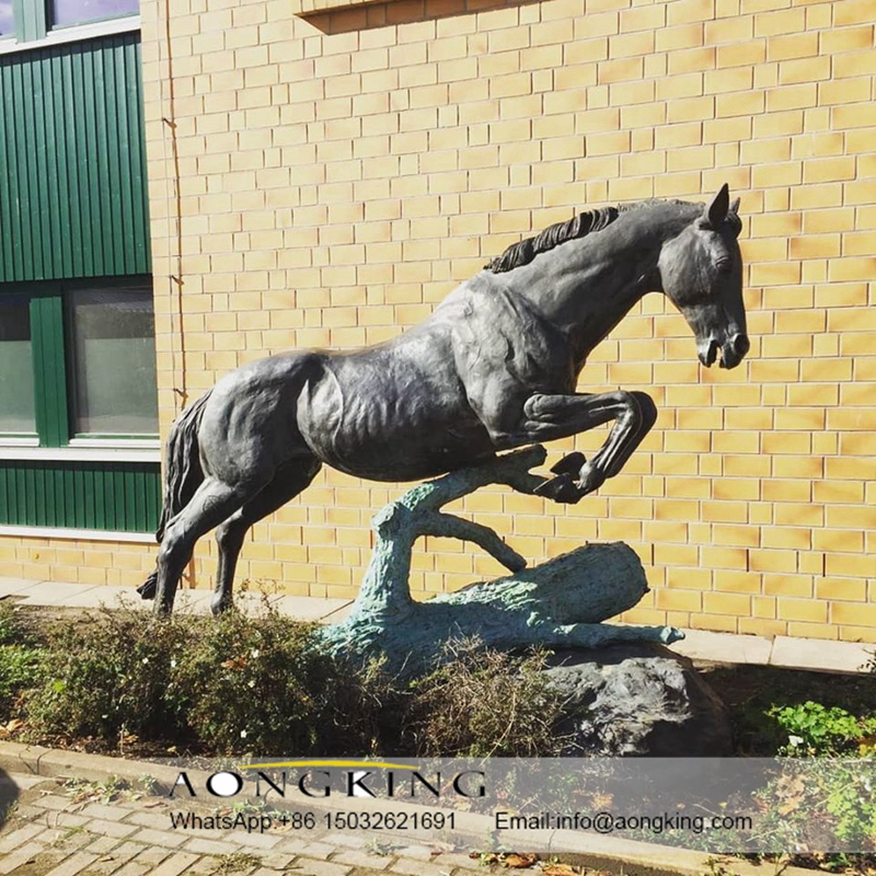 Brass horse statue carving