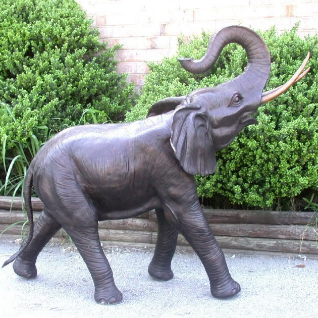 garden little elephant sculpture