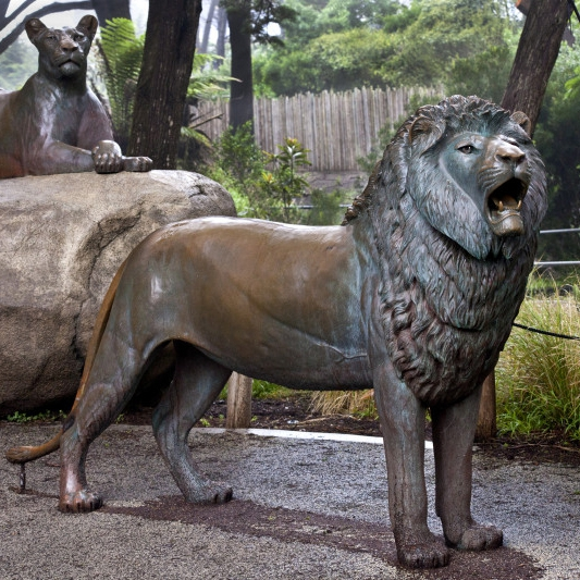 a lion sculpture