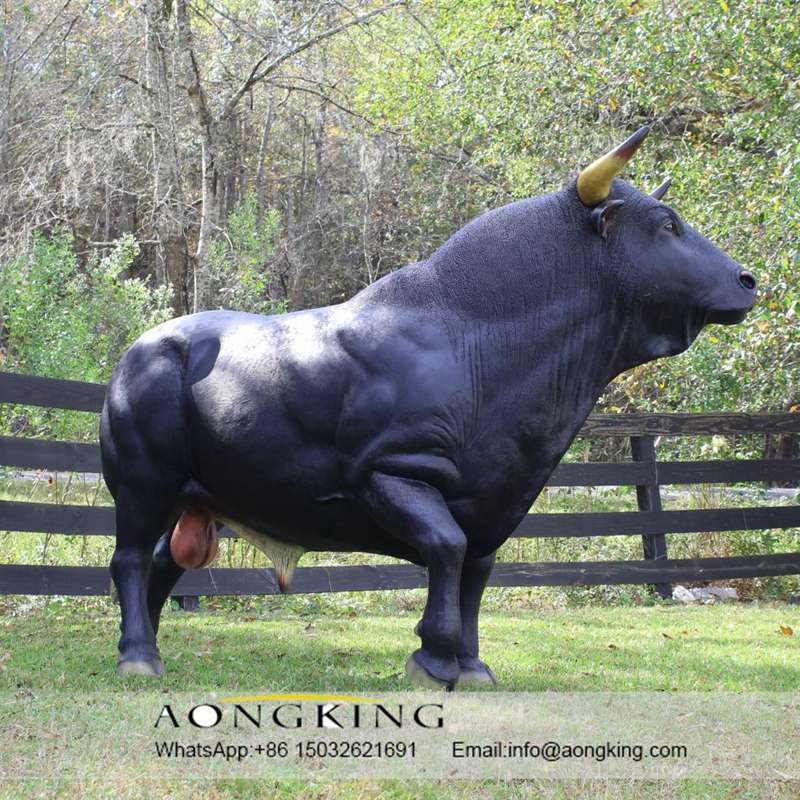 Resin statues bull