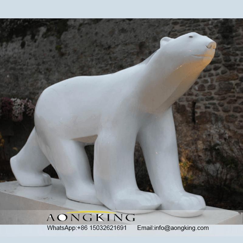 The polar bear statue