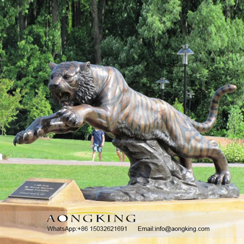 Tiger bronze sculpture
