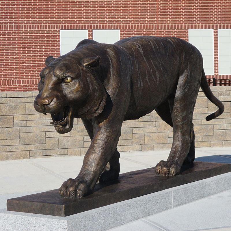 Garden bronze tiger sculpture