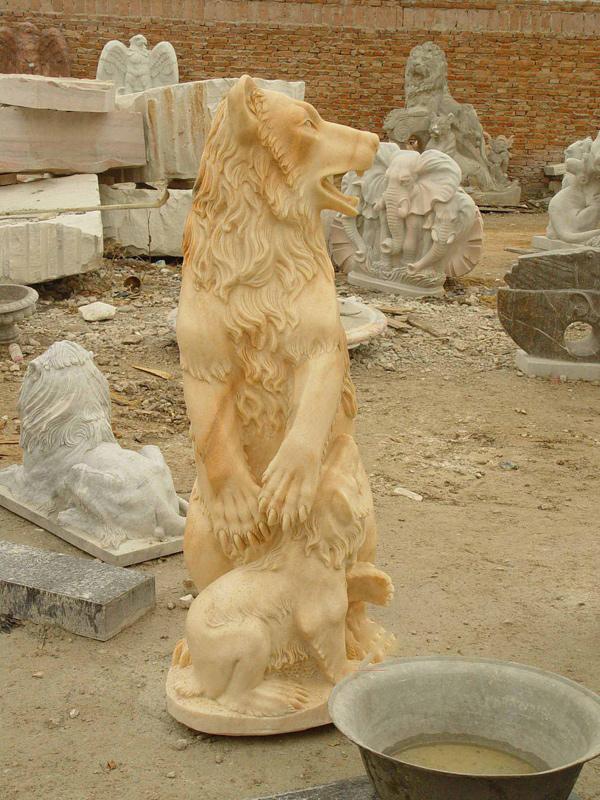 Bear and bear baby sculpture