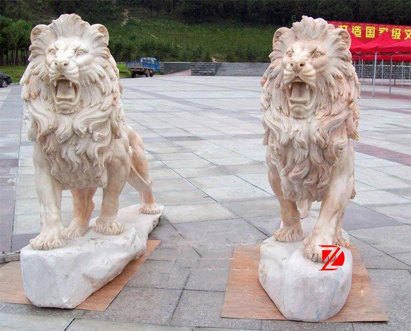 Outdoor lion marble sculpture