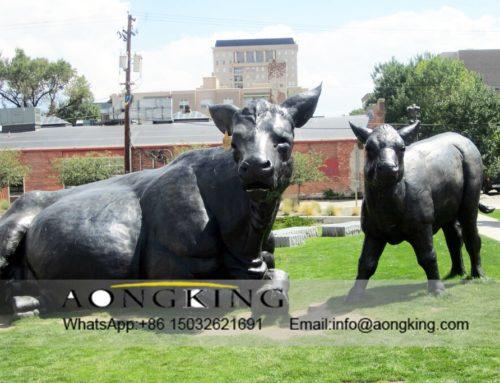 Cattle bronze statues
