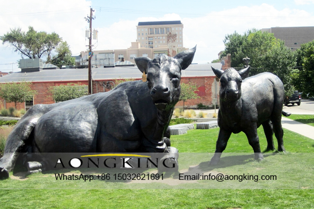 Cattle bronze statues