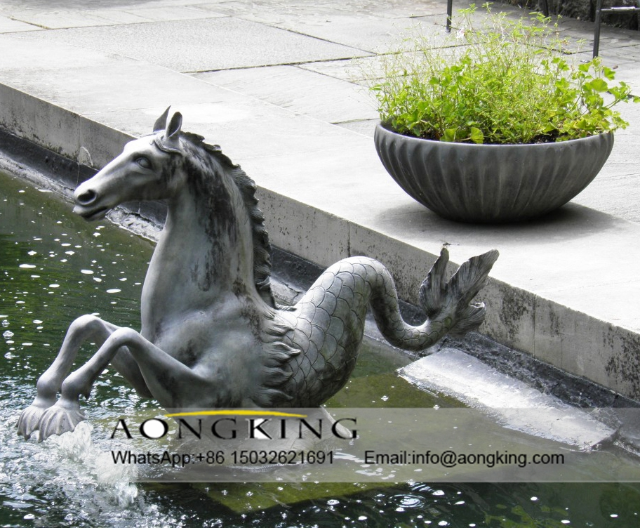 Water horse fountain statue