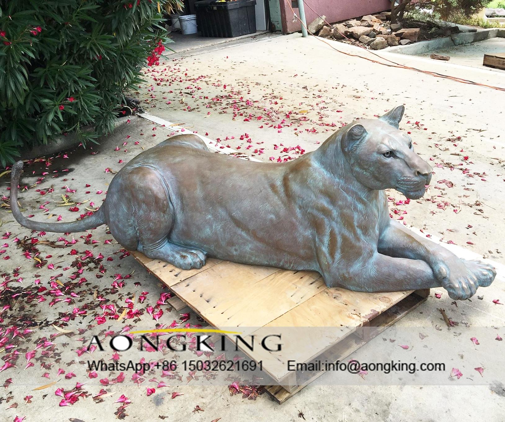 lioness statue bronze
