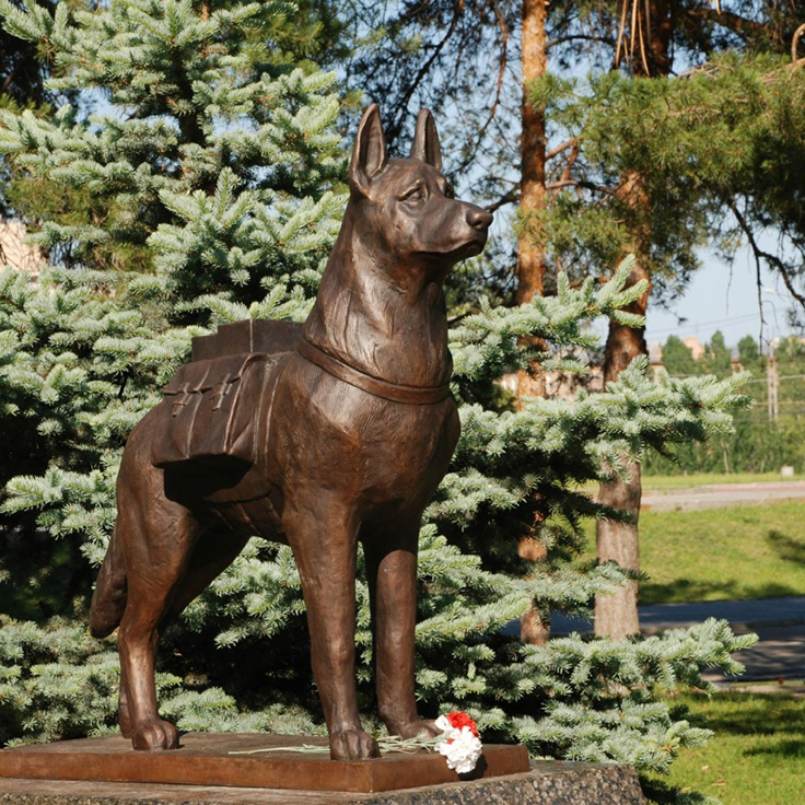 dog statue for outdoors