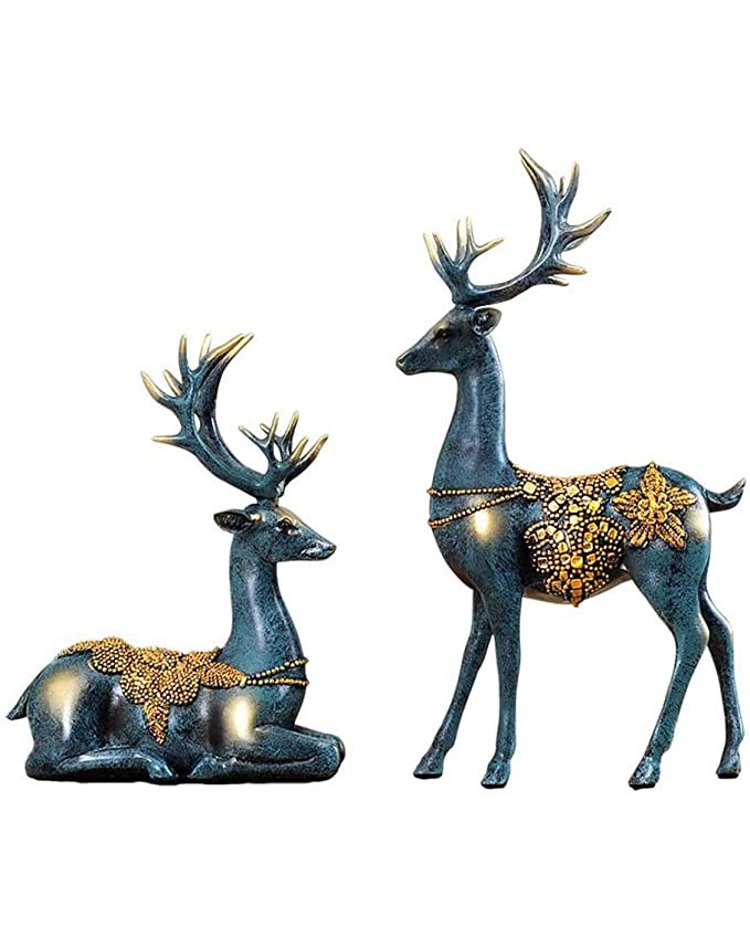reindeer sculpture holiday