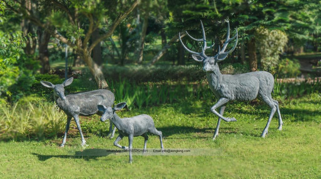 European Region Sweet Lovely Outdoor Garden Family Fallow Deer Statues