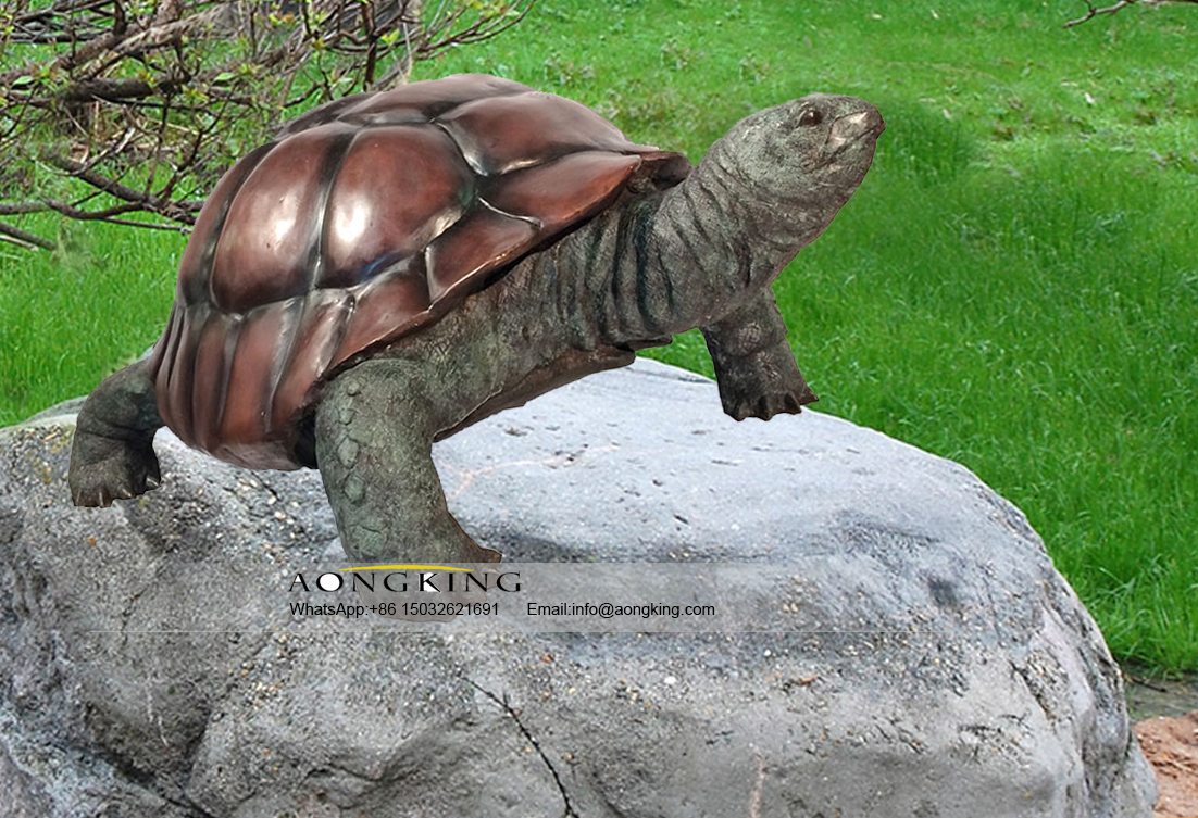 Bronze Art Decoration Sculpture of Sulcata Tortoise on the Ground