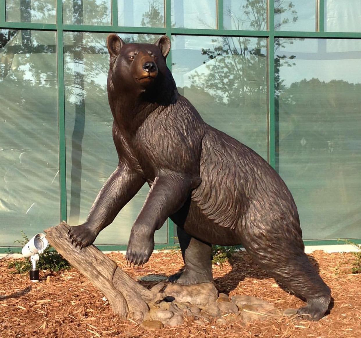 Factory Popular Climbing Tree Bear Bronze Statue