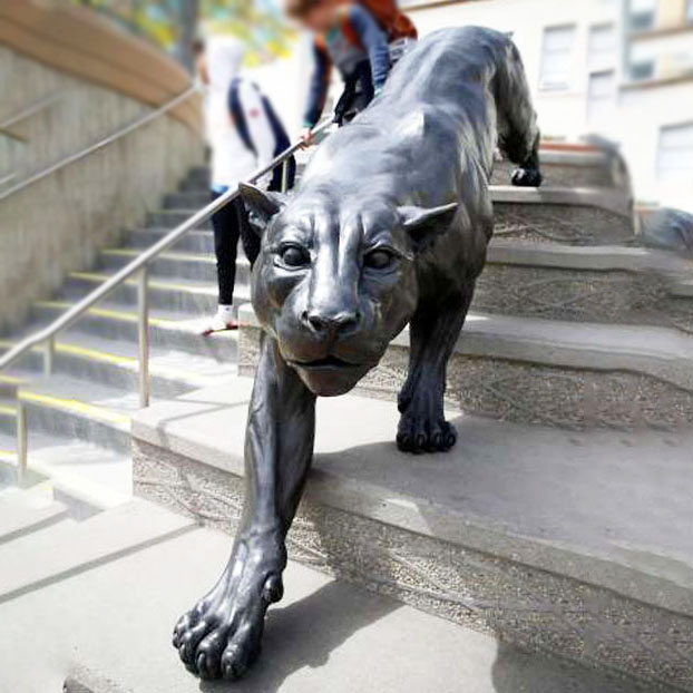 Street Animal Popular black leopard Bronze sculpture