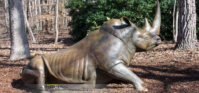 Bronze rhinoceros sculpture for zoo
