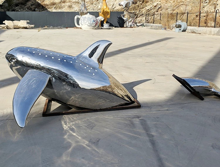 Dolphin fish for outdoor