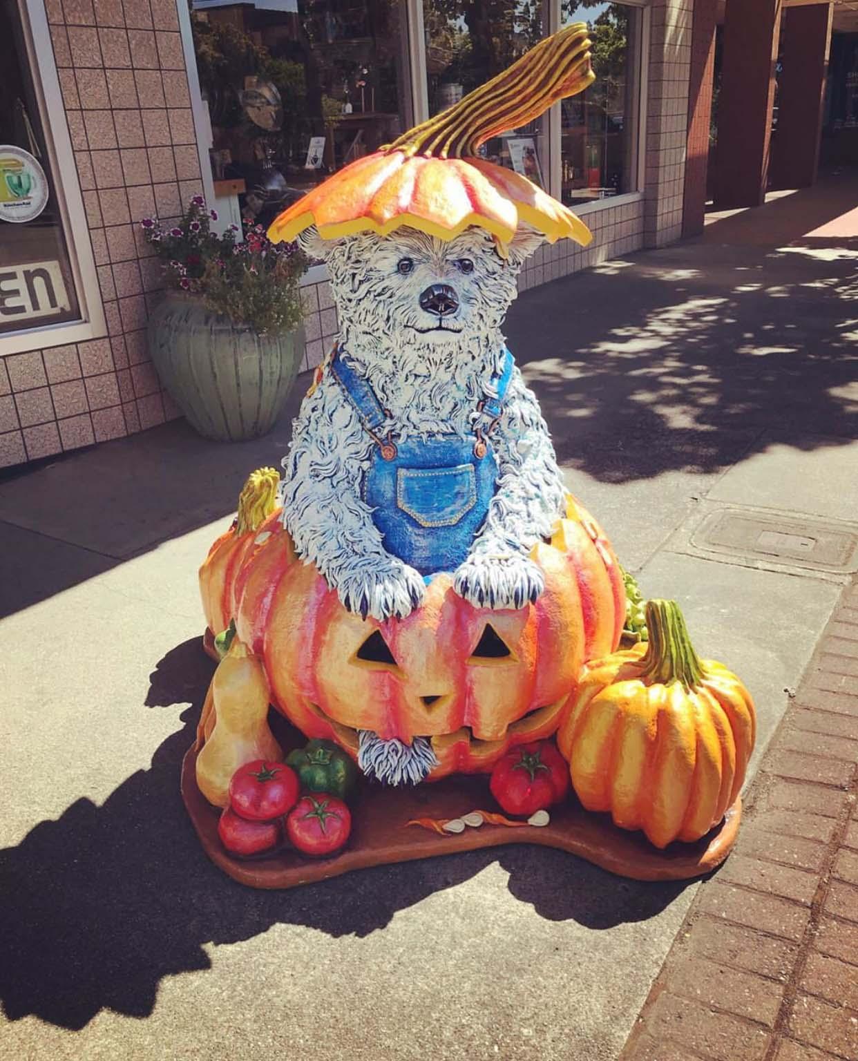 Holiday Decoration Pumpkin Bear Life Size Animal Resin Statue