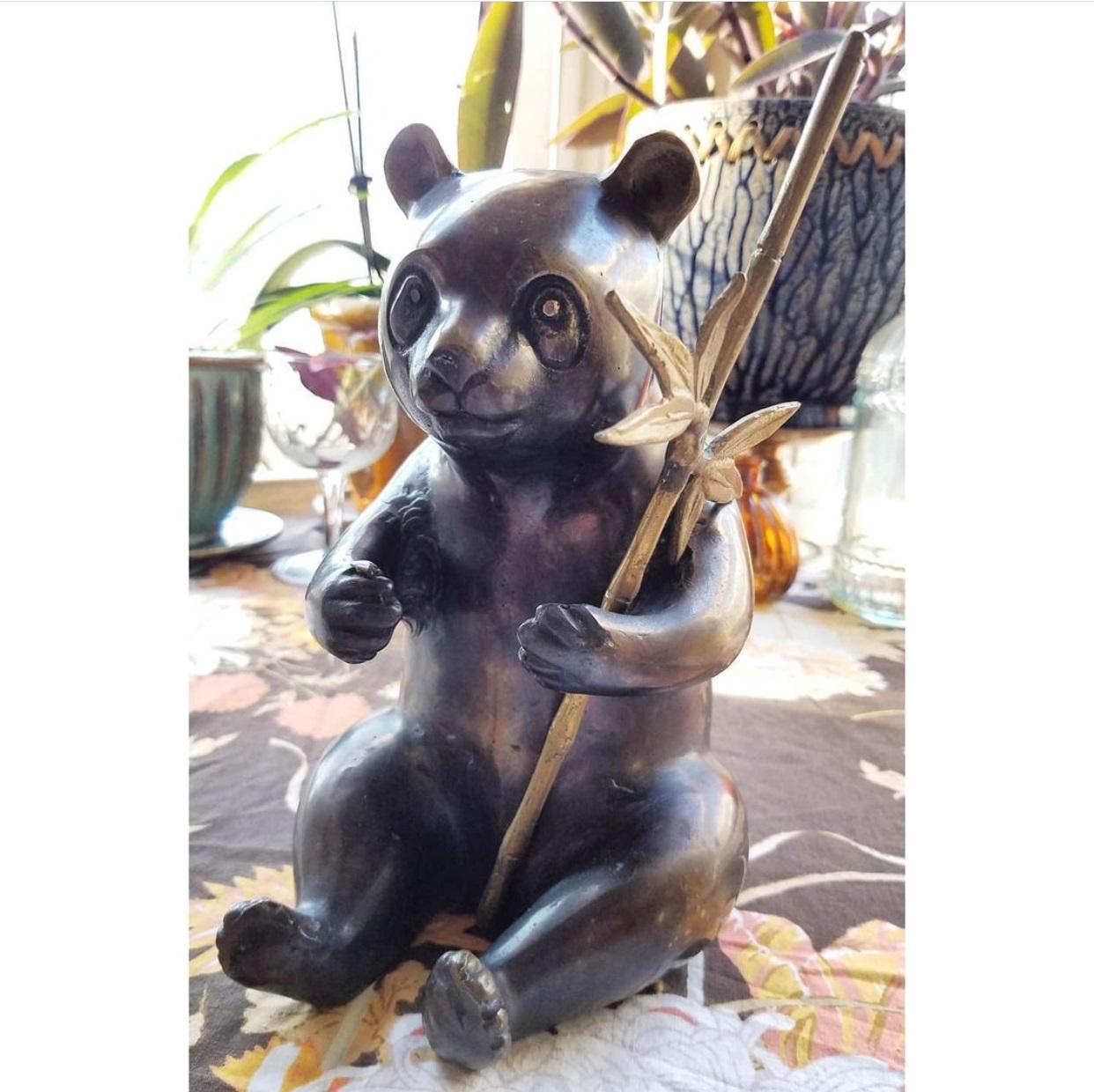 Art shop wholesale customized bronze panda sculpture for outdoor decoration