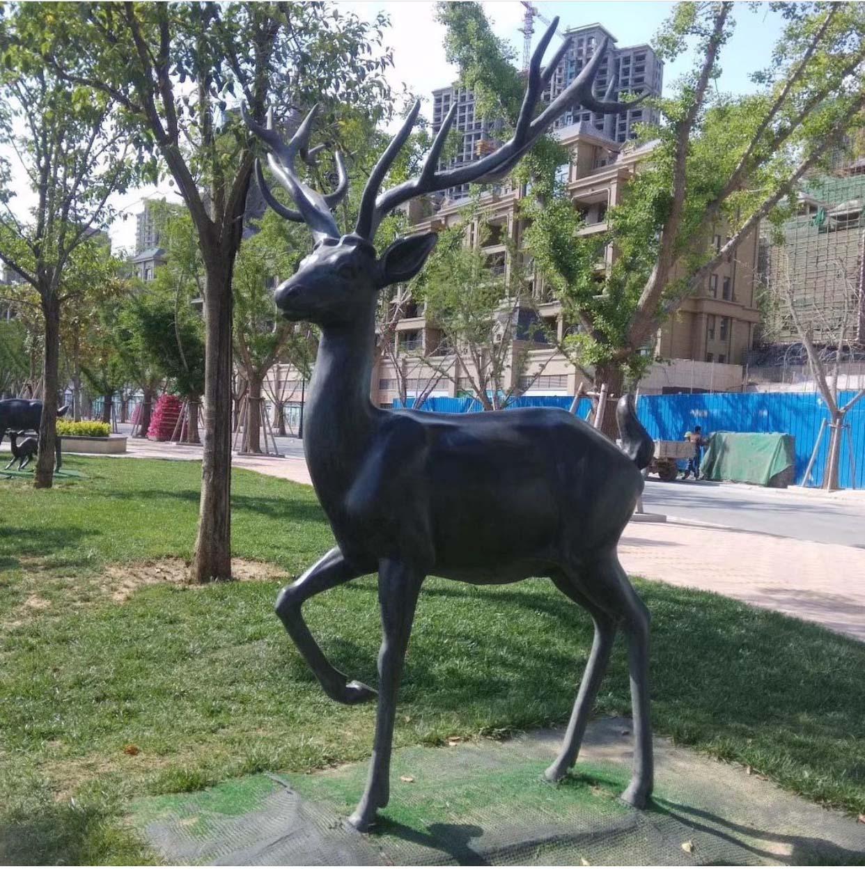 Art shop wholesale contemporary bronze deer sculpture for garden decoration