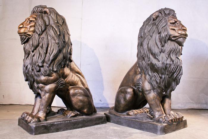 Monumental bronze lion statues