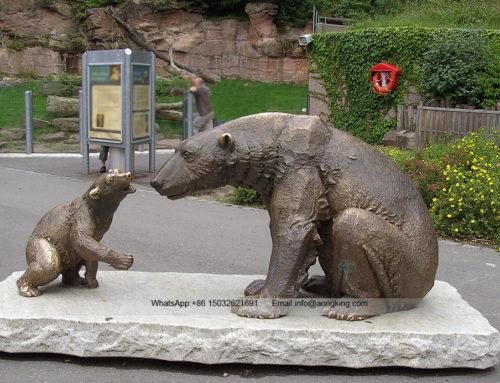 Outdoor vivid warm atmosphere bronze Polar bear statue
