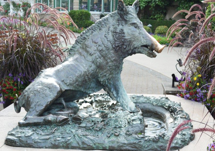 Porcellino wild animal fountain